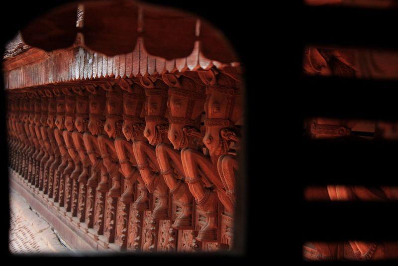 Motifs de chevaux dans le palais à Trivandrum