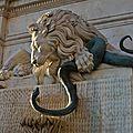Soleil de fin d'année sur le lion de Victor <b>Sappey</b>