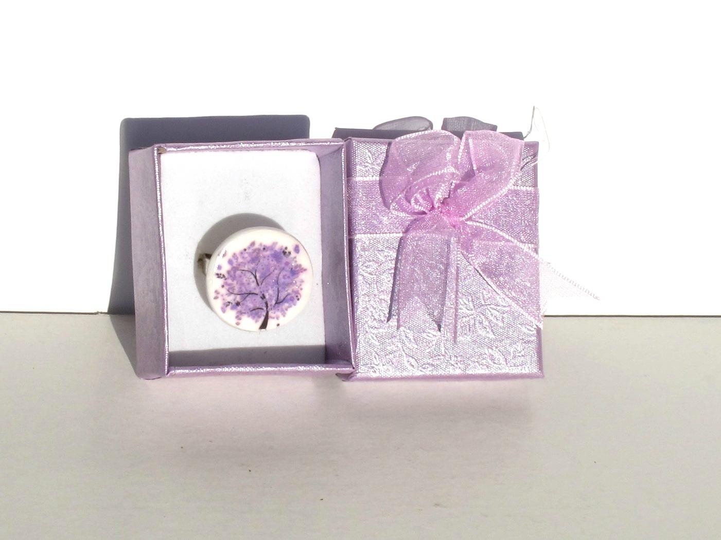 bague ronde fimo arbre violet boite