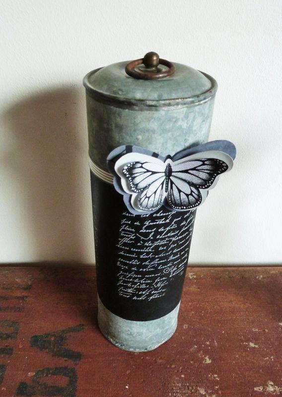 Bouillotte en zinc, déco écritures anciennes, ruban papillon