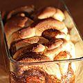 Pain brioché roulée à la cannelle ou cinnamon roll pull apart bread.