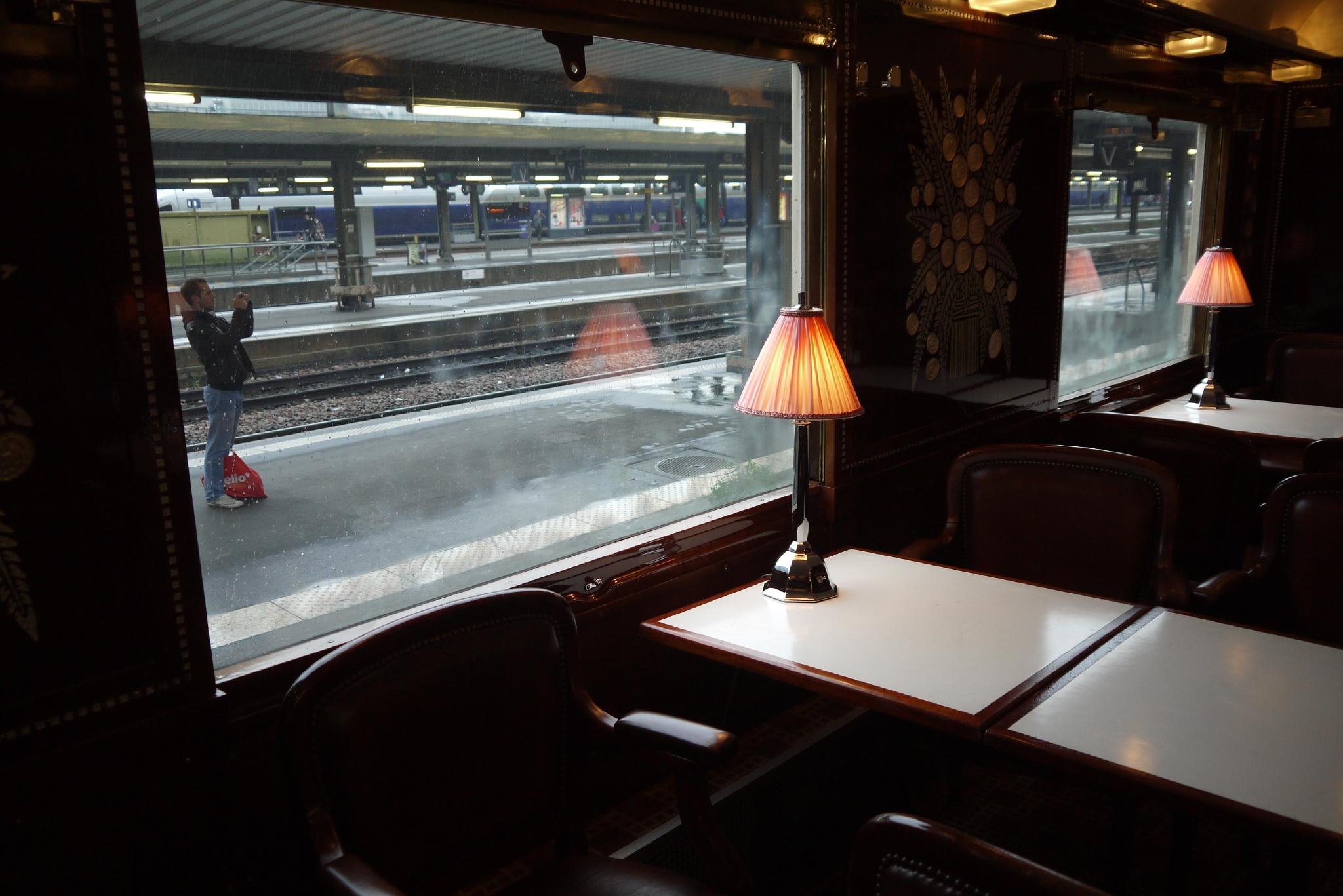 Voiture Bar Train Bleu