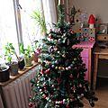 Décorer le sapin, décorer le salon... den weihnachtsbaum und das wohnzimmer schmücken...