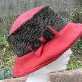 Chapeau polaire rouge
