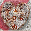 Gâteau au yaourt, amandes, abricots et fleur d'oranger