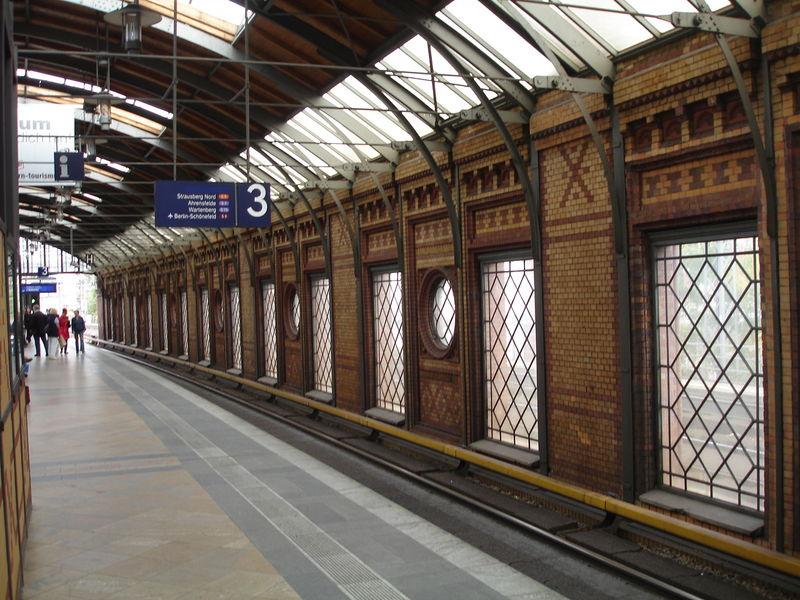 S-Bahn : Hakescher Markt