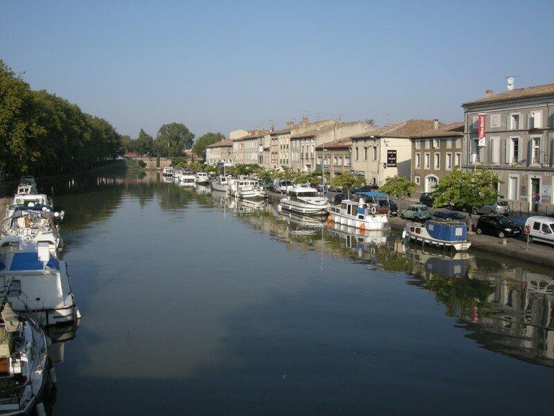 CASTELNAUDARY Le Canal du Midi