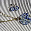 pendentif fleurs bleues