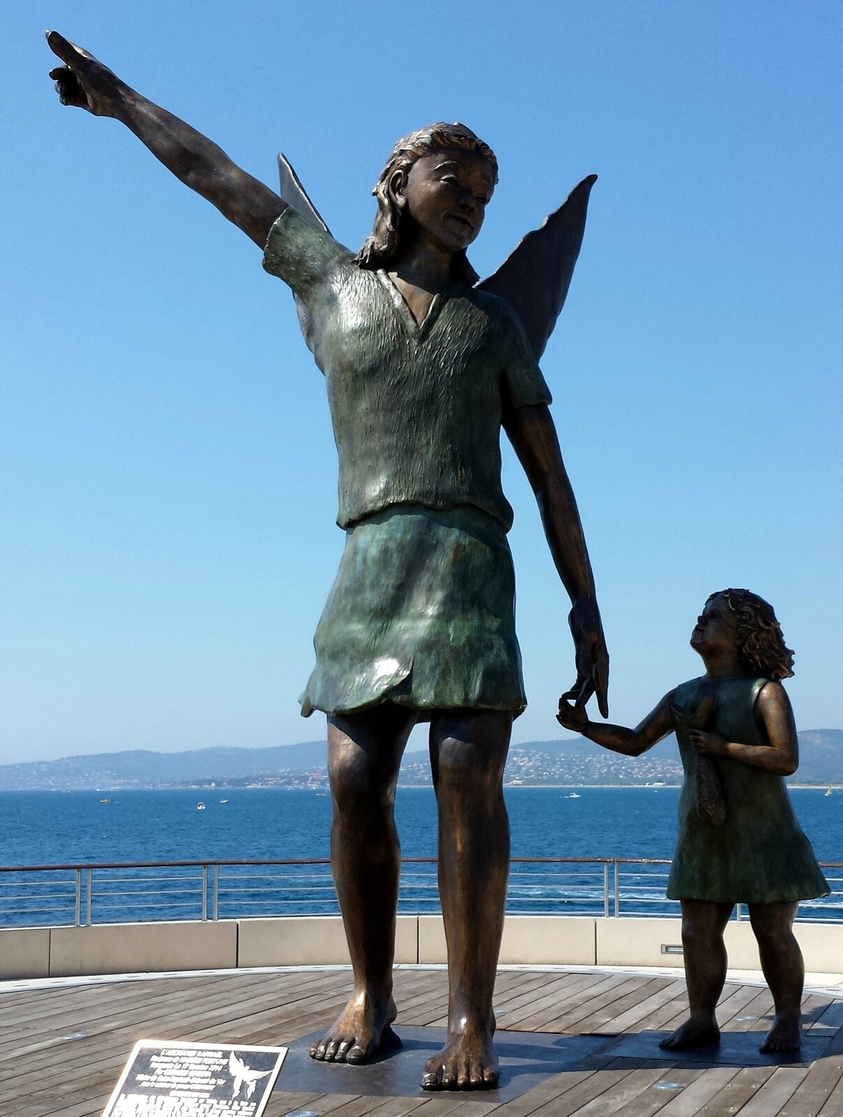 Saint-Raphaël, un ange veille sur la ville