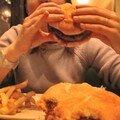 Le plus GROS burger qu'on aie jamais mangé !