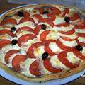 Tarte tapenade, tomate et mozzarela