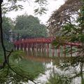 Petit pont pour aller au temple de la Montagne de Jade sur le la