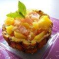 Salade d'agrumes dans sa coupe ananas