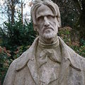 Buste d'Aloysius Bertrand, poète français (1807-1841), Jardin de l'Arquebuse, Dijon