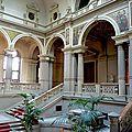 440px-Strasbourg_Palais_du_Rhin_grand_escalier_03