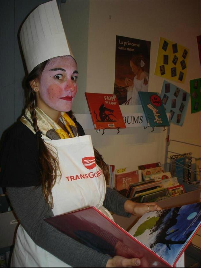 La surprenante cuisinière de la médiathèque