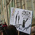 Le dimanche à joyeuse, on se rassemble contre la violence et pour la liberté devant le musée de la caricature