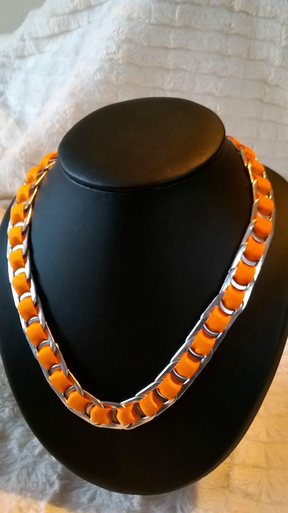 collier ruban orange