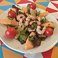 Salade de papaye mûre et poêlée de gambas au piment