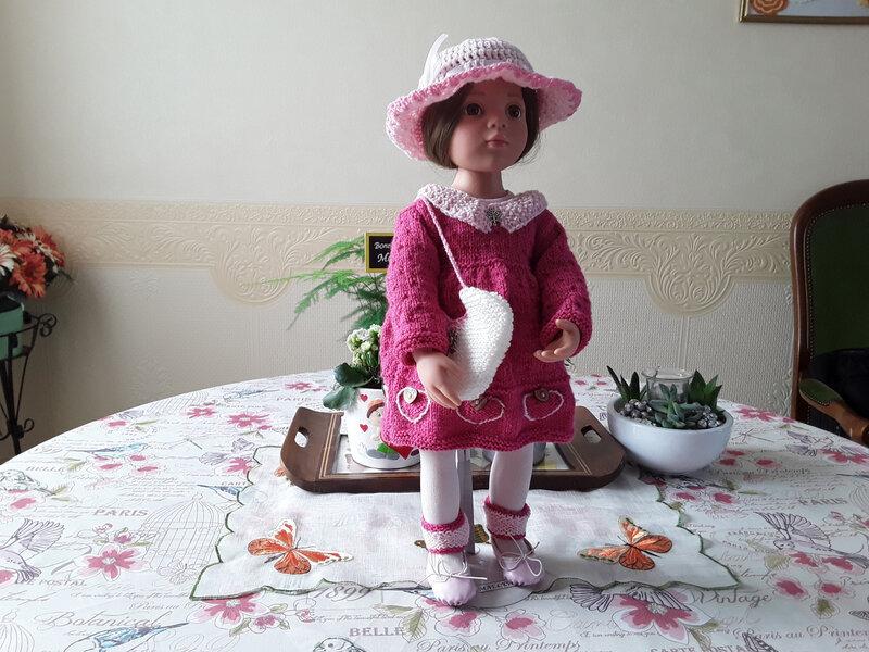 Maëlyse porte la tenue st Valentin de Nathalie
