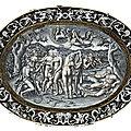 Grand plat oval en émail peint en grisaille à rehauts d'or, représentant le Jugement de Pâris. Limoges attribué à <b>Pierre</b> <b>Reymond</b>