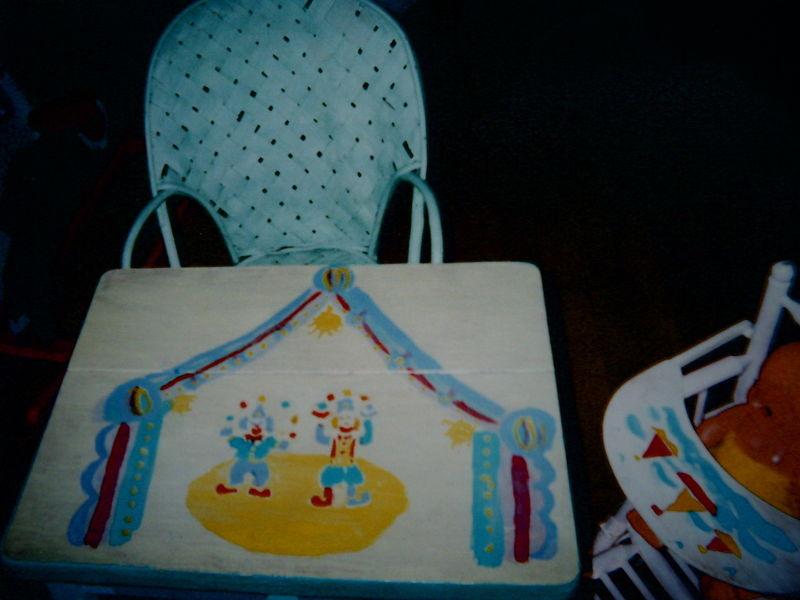 table et chaise de poupée