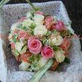 Aumônière de mariée roses multicolores