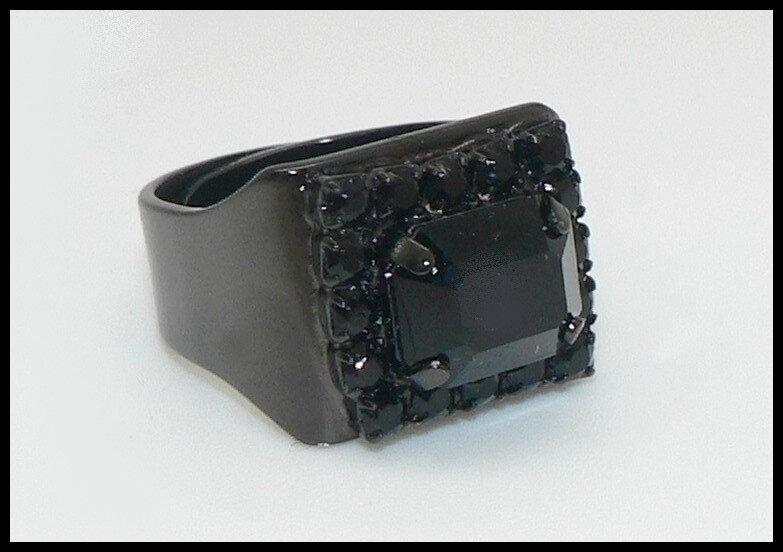 Petite bague Swarovski noire octogonale