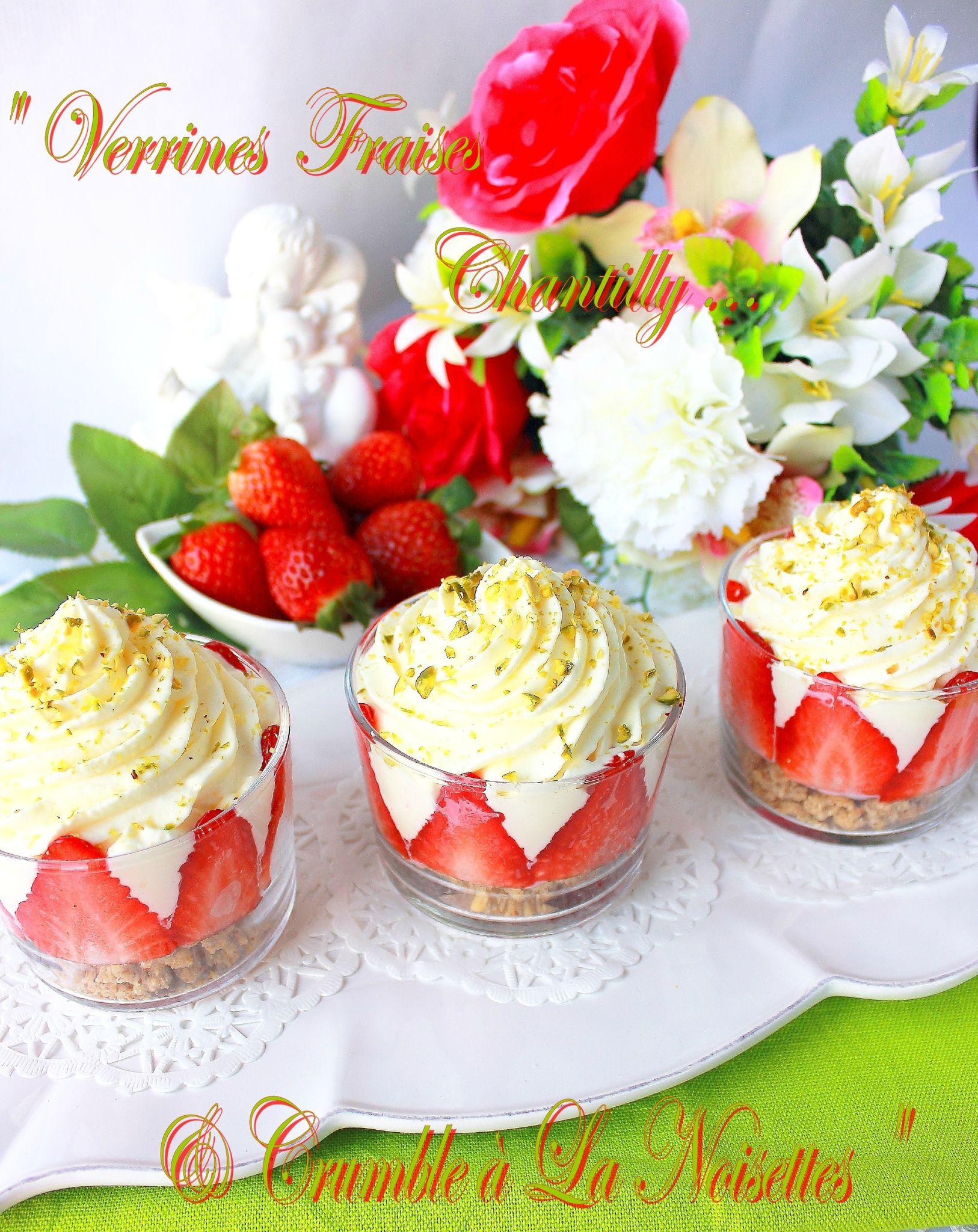 Verrines fraises chantilly & son crumble à la noisettes4