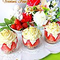 Verrines fraises chantilly & son crumble à la noisettes4