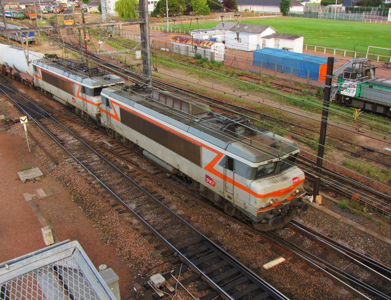 BB 7392 + une BB 22 200, St Pierre des Corps