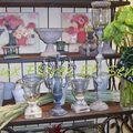 Chandelier et vases