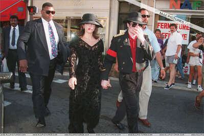 Michael-And-First-Wife-Lisa-Marie-In-Paris-Back-In-1994-michael-jackson-34797312-399-266