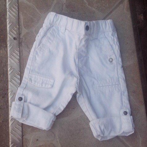 *Pantalon blanc, 1 an