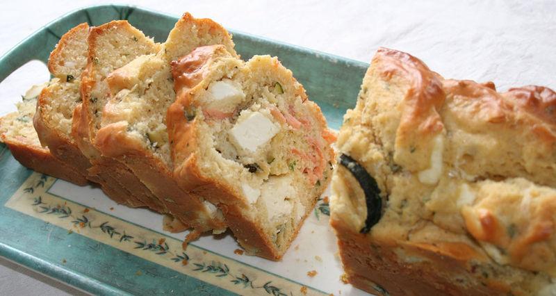 cake saumon, chèvre,courgette, basilic