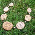 collier galet imitation bois 3