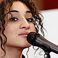<b>Camélia</b> <b>Jordana</b> sur le féminisme : « Si j'étais un homme, je demanderais pardon »