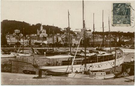 14 - DEAUVILLE - Plage Fleurie - Bassin des Yacht