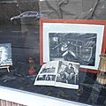 Cuesmes - magasin protestant - vitrine