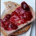 Journée mondiale du pain : pain aux noix et confiture prunes banane