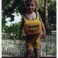 Loann aux Maldives, en tenue de bain (printemps 2002)