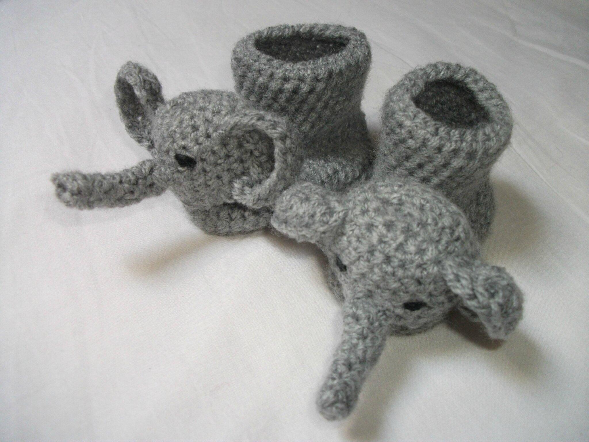 """Chaussons """"éléphant"""" au crochet..."""