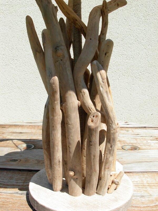 Détail-lampe-sculpture - Photo de Côté Bois Flotté - Bois Effet Mer