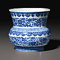 A rare blue and white 'flower scroll' zhadou, Qianlong six-character seal mark in underglaze blue and of the period