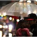J'aime bien les parapluies transparents à deux