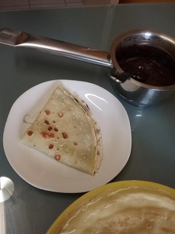 Crêpe Chocolat Chantilly et glace à la vanille 004