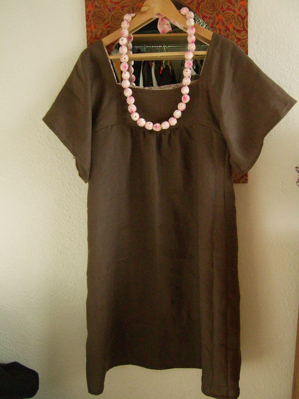 Robe Susanne lin taupe