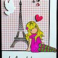 carte parisienne blonde à la Tour Eiffel