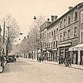 <b>1920</b>/40 : Commerces du Cours Henri / place du Château