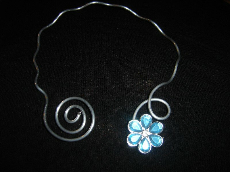 COLLIER33
